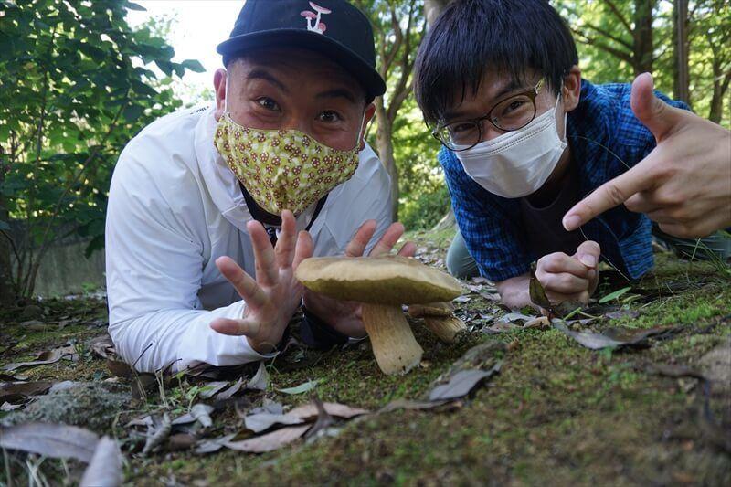 坂井きのこさんと一緒にきのこ散策に行った写真