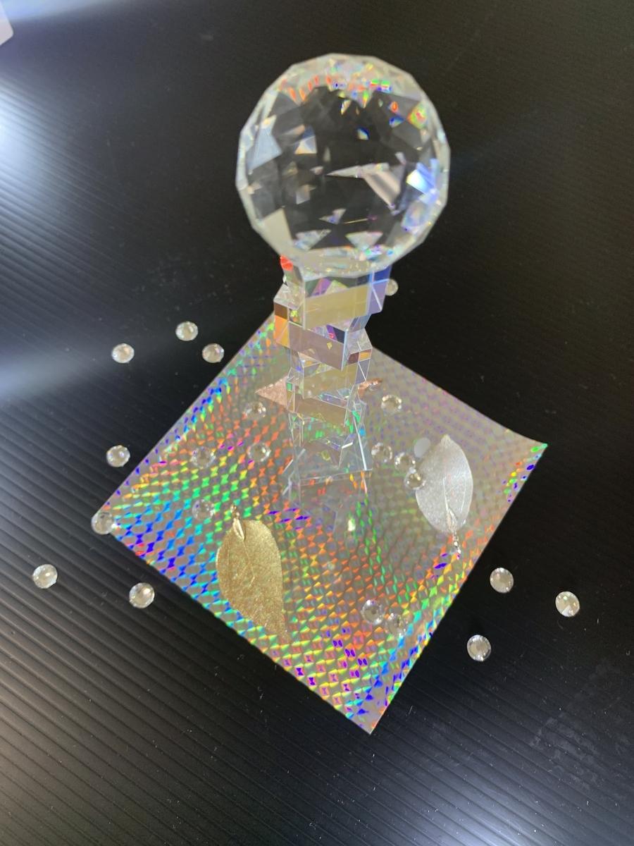 キラキラで光っているよ! ガラスとホログラフ用紙