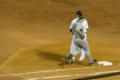 [神宮球場][阪神タイガース][ケビン・メンチ]一塁へ駆けるメンチ。