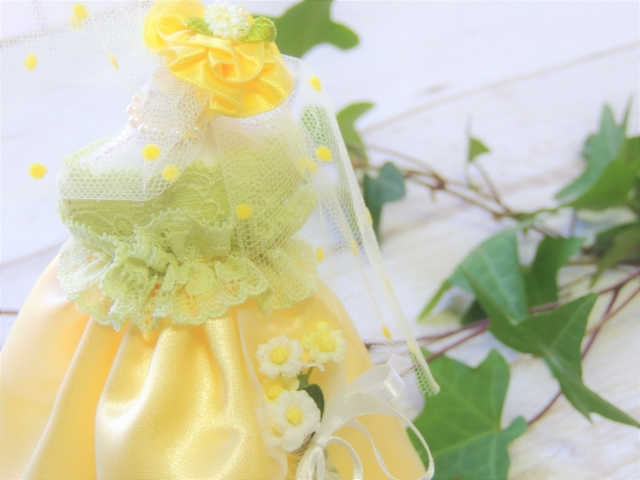 好きな色 黄 イエロー ドレス