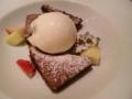 ガトーショコラの上に冷たいアイス:Giglio