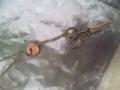 ハサミとボタンのネックレス
