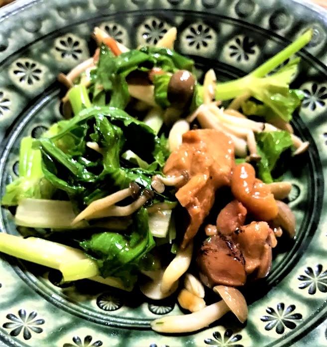 【酒の肴】焼き鳥缶詰とセロリの柚子胡椒炒め