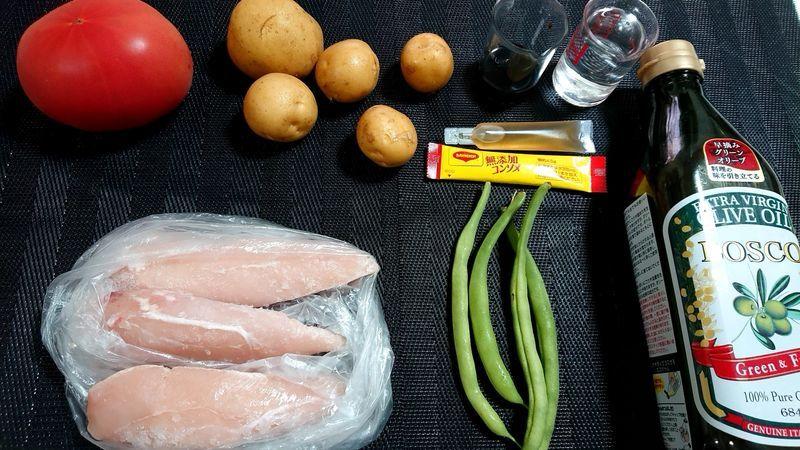 トマト風味の洋風鶏じゃが_材料