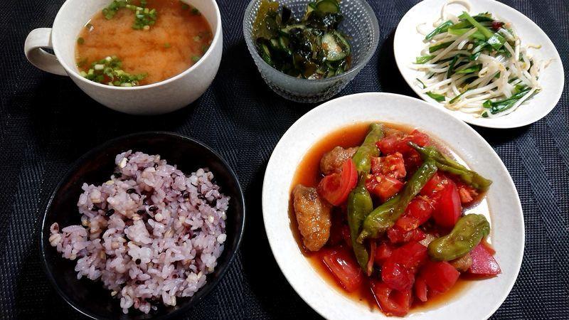 かつおとししとうのトマト黒酢びたし_食卓