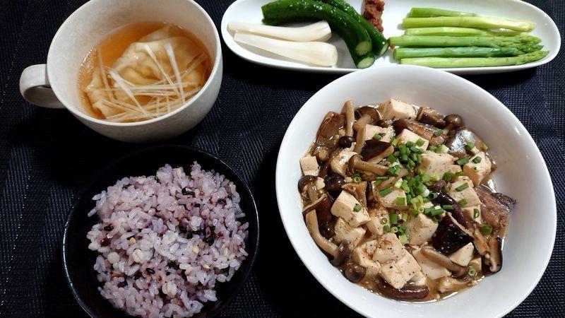 サヴァ缶ときのこのマーボー豆腐風_食卓