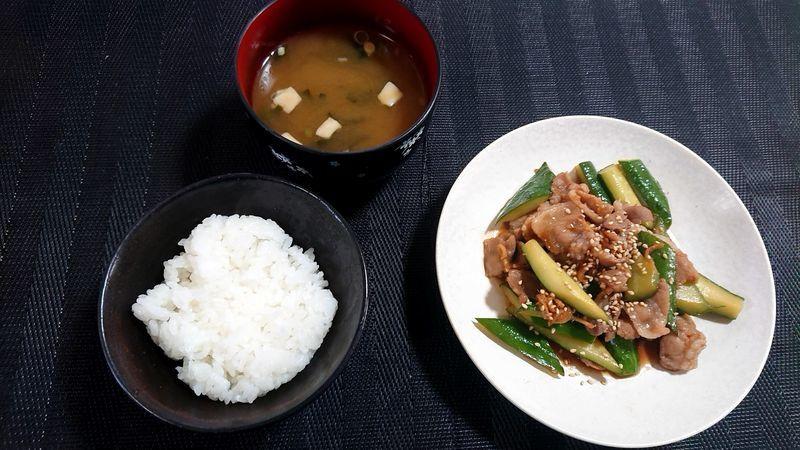豚肉ときゅうりのサッと煮_食卓