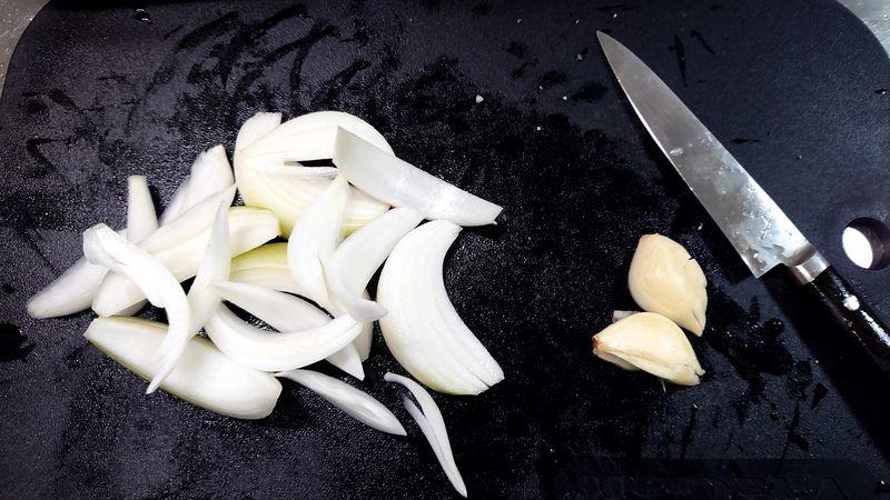 れんこんと鶏手羽元のハーブ煮_4
