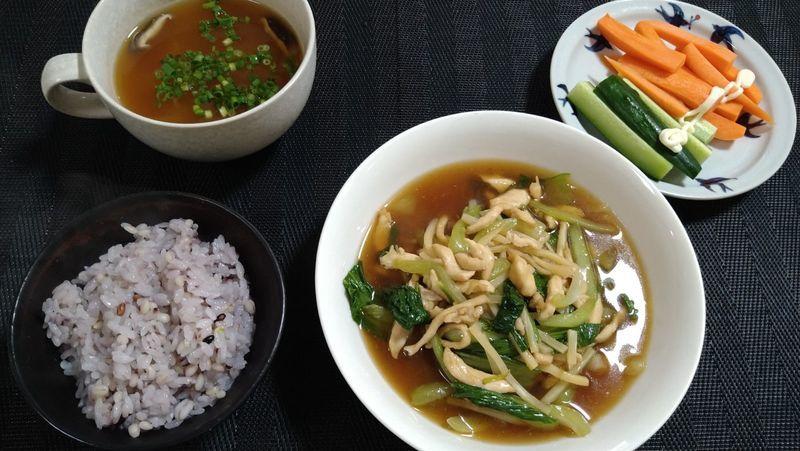 鶏むね肉とチンゲンサイの中華炒め_食卓