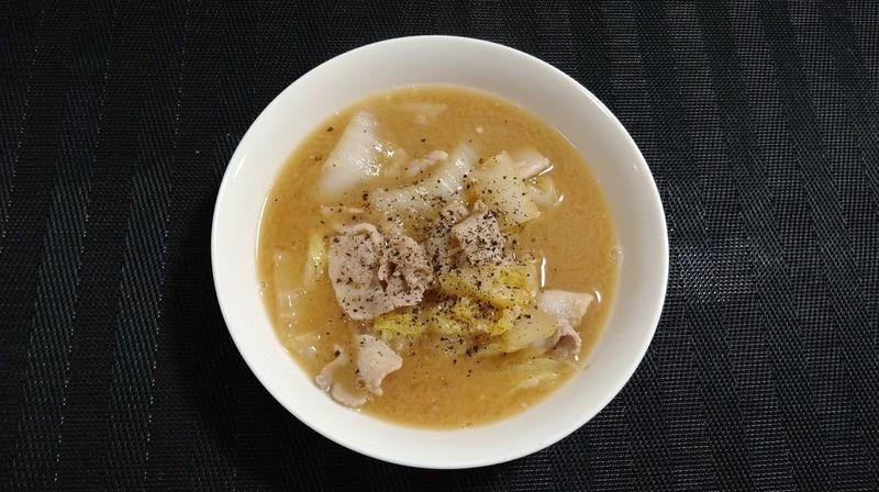 豚バラ肉と白菜のみそバタースープ_完成
