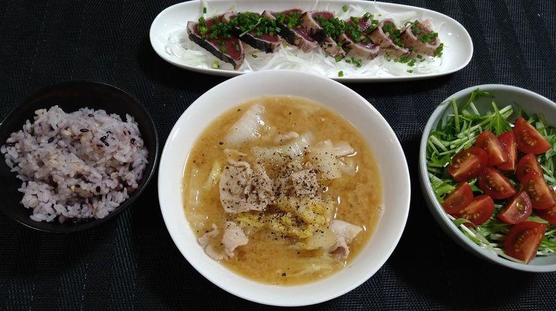 豚バラ肉と白菜のみそバタースープ_食卓