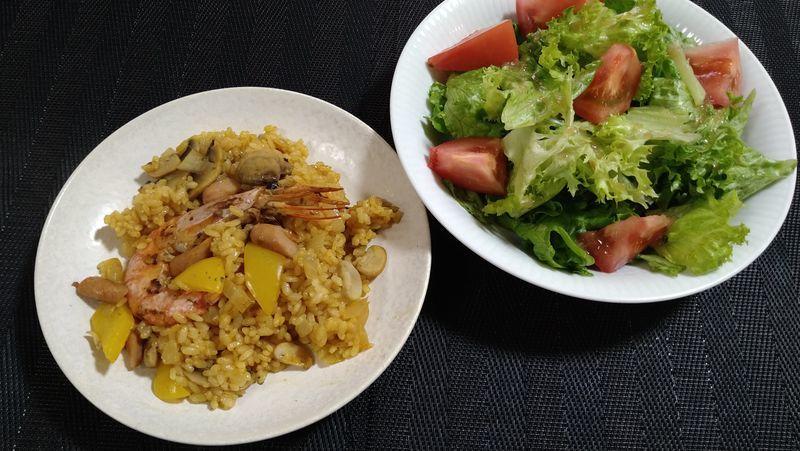 フライパンパエリア_食卓