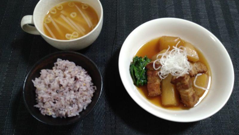 豚バラと大根の甘辛煮_食卓