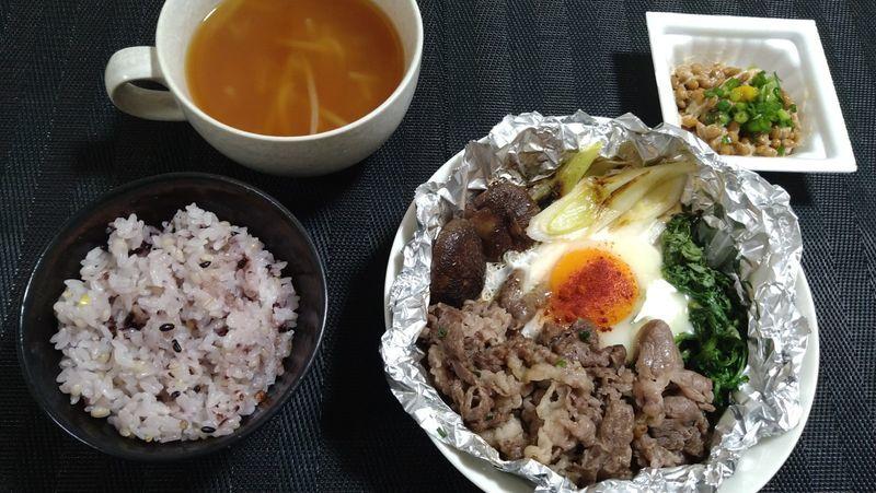 牛肉のねぎ塩焼き_食卓