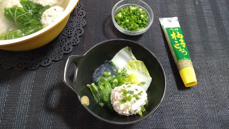 肉だんごとトロトロ白菜の鍋_食卓