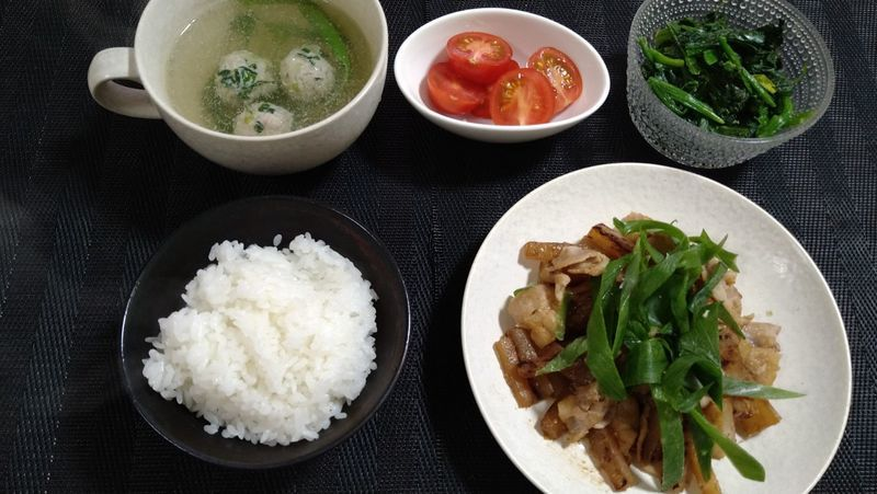 大根と豚バラの甘辛みそ炒め_食卓
