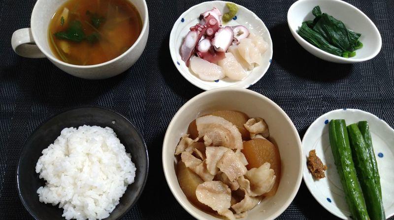 豚バラ大根の甘辛煮_食卓