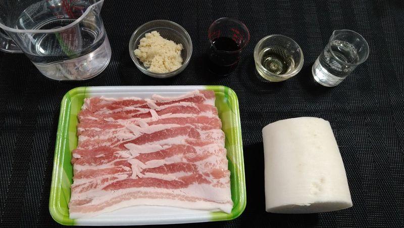 豚バラ大根の甘辛煮_材料