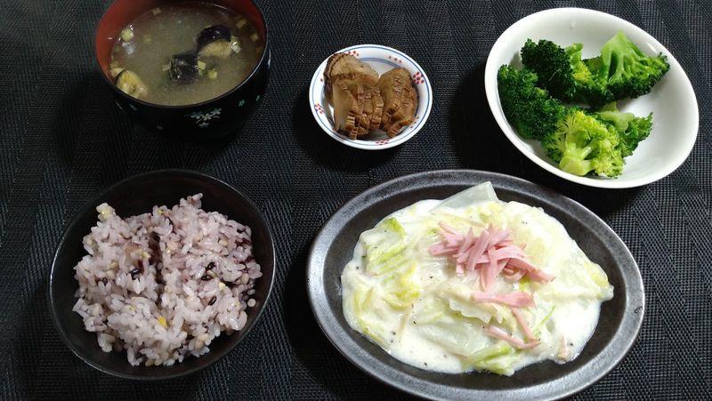 白菜のクリーム煮_食卓