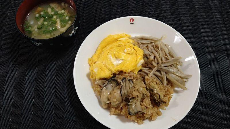 かきの炊き込みご飯_食卓