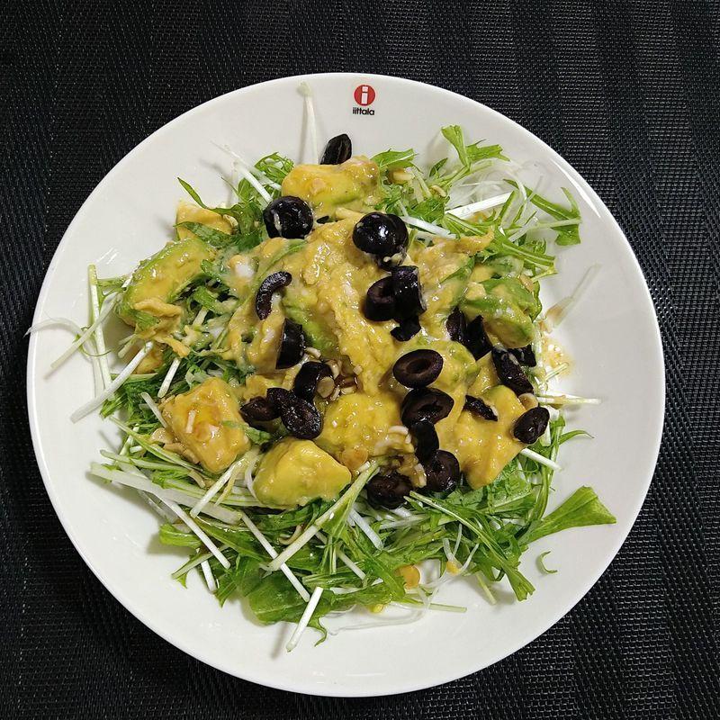 アボカドとふわとろ卵のサラダ_完成