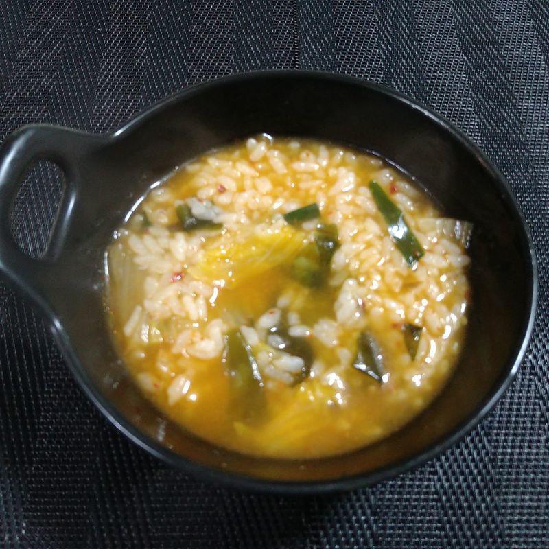 鶏肉のキムチ鍋_食卓2