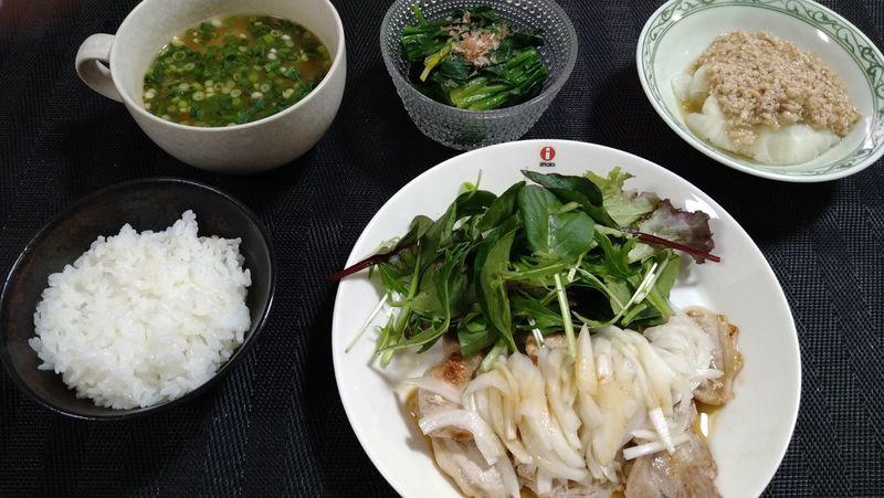 ポークソテー 酢たまねぎソース_食卓