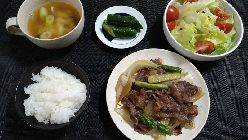 牛肉と春野菜の香り炒め_食卓