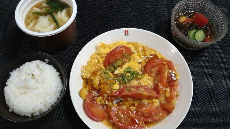 トマトと卵のオイスターあんかけ_食卓