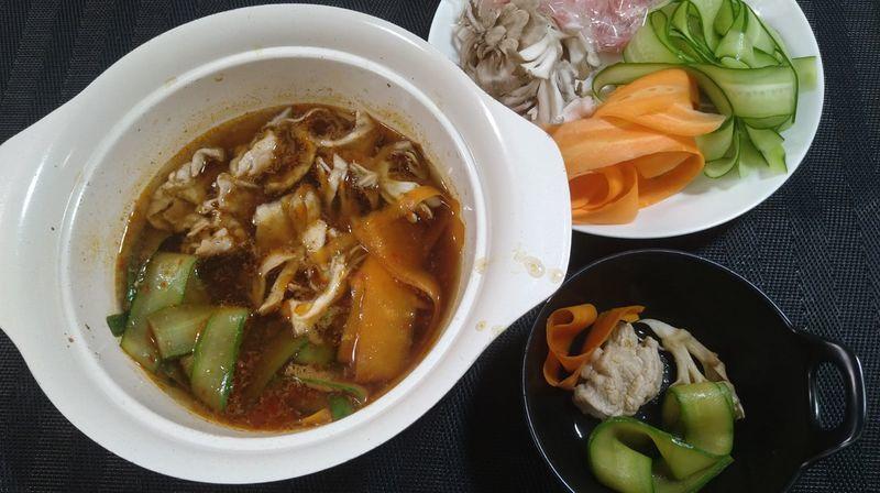 豚しゃぶとピーラー野菜の火鍋風_食卓1