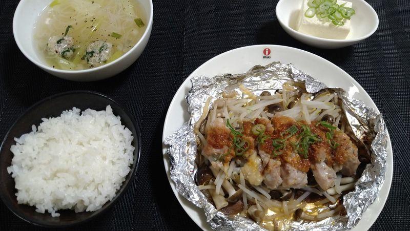 鶏の塩麹ホイル焼き_食卓