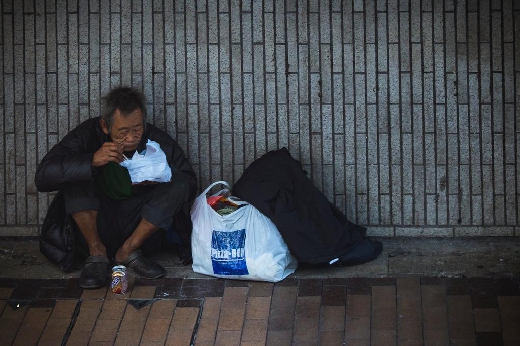 衣食充足のホームレス