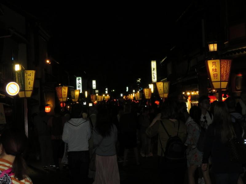 夜の祇園花見小路