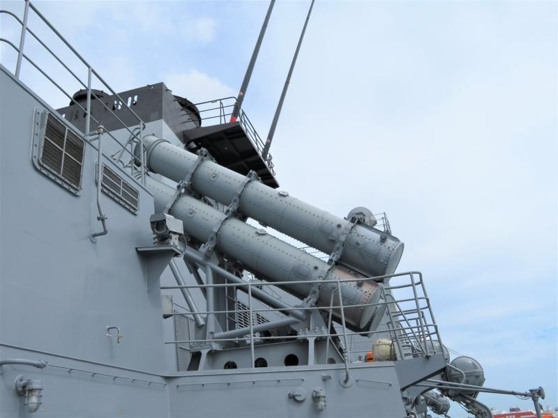 艦対艦ミサイル発射装置写真