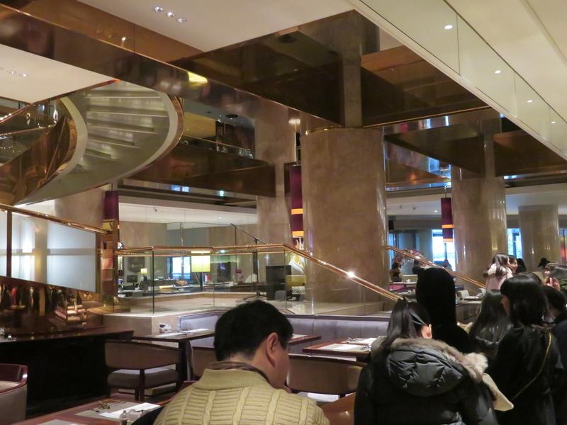 ヒルトン東京デザートビュッフェの並び写真
