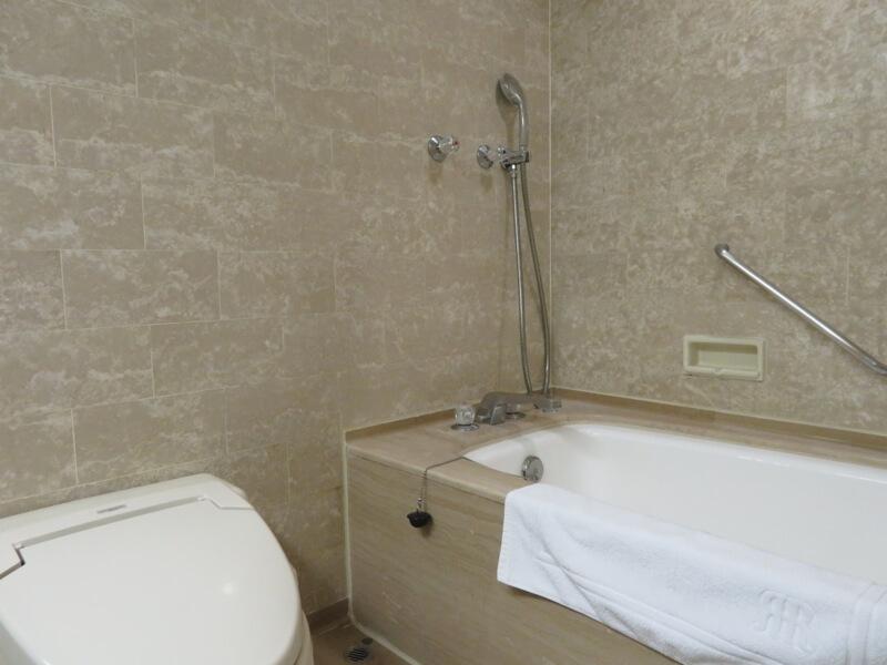 リーガロイヤルホテル大阪バスルーム写真