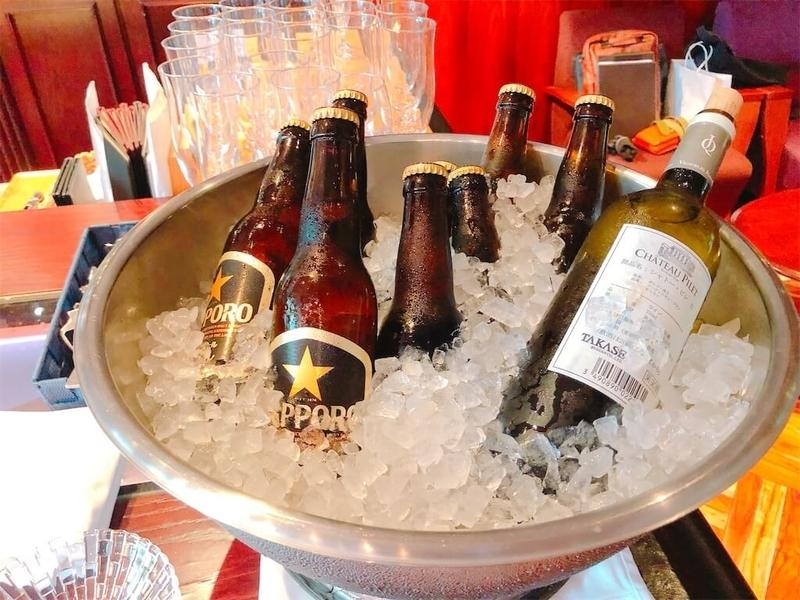 エプイでの、ワインやビールの写真