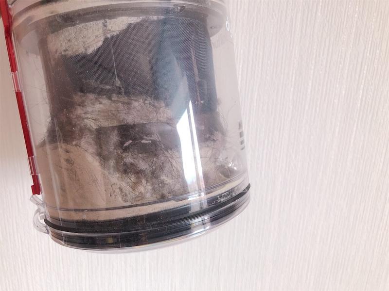 ダイソン掃除機CY25TH1回の掃除でとれたゴミの写真