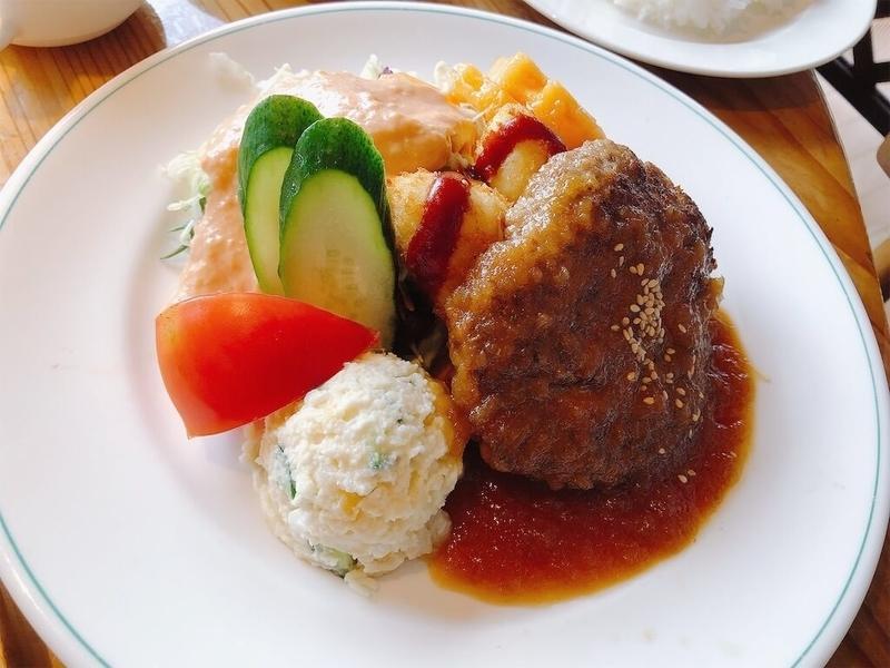 ファームレストランハーベストのハンバーグの写真
