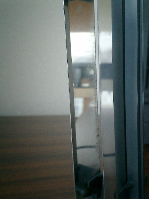 掃除・洗浄した集塵パネルを2−3日続けて使用した後の写真その1