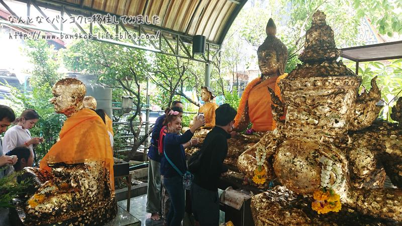 タイのウィサーカブーチャー(仏誕節)
