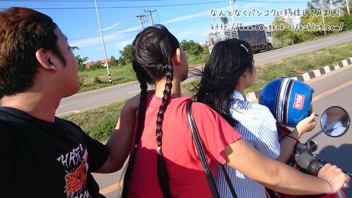地元のお姉さん達とナコンパノムでドライブ