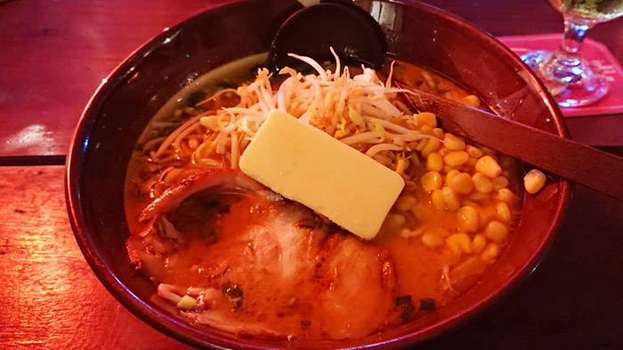 シェムリアップの本格ラーメン 横浜レストラン&バーの紹介
