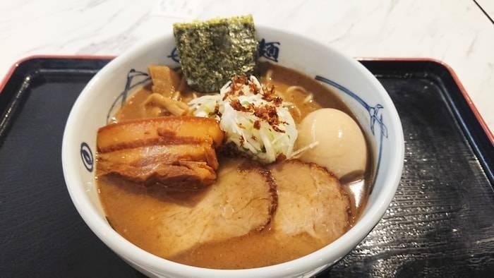 バンコクのラーメン 麵屋武蔵・武骨の紹介