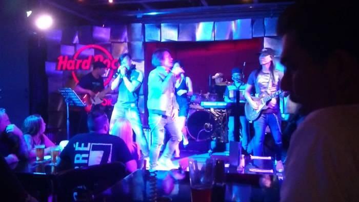 バンコク ハードロックカフェの出演バンド