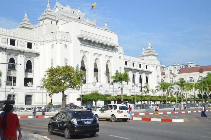 ミャンマー ヤンゴン市庁舎