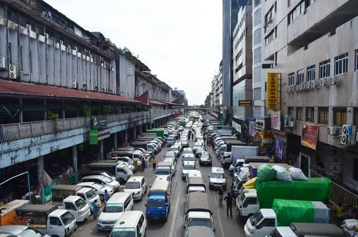 ヤンゴン ダウンタウンの渋滞