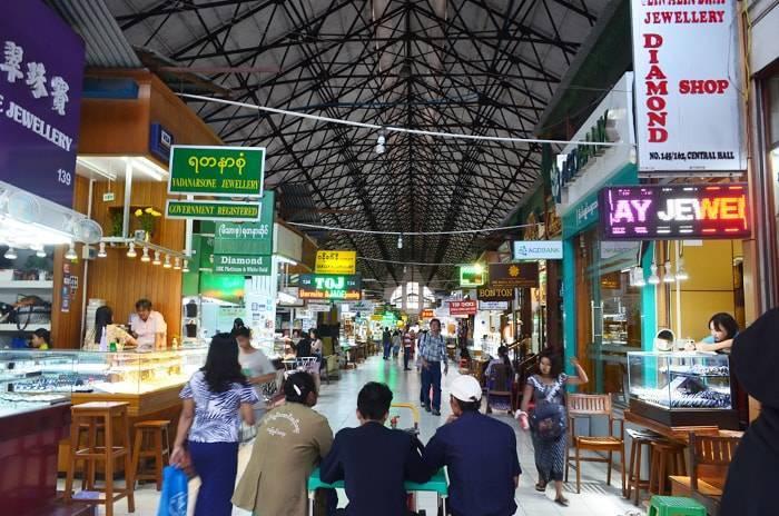 ヤンゴンのボージョーアウンサンマーケットの紹介