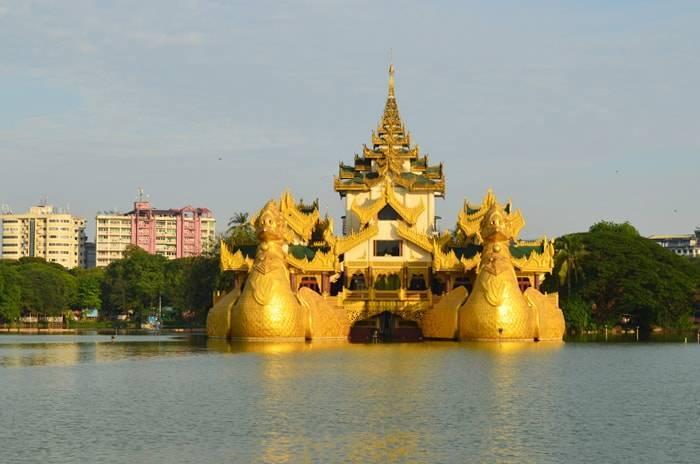 ミャンマー ヤンゴンのカラウェイ パレス