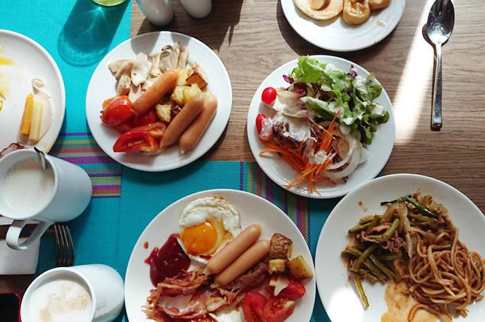 ホリデイ イン リゾート ヴァナ ナヴァの朝食ビュッフェ
